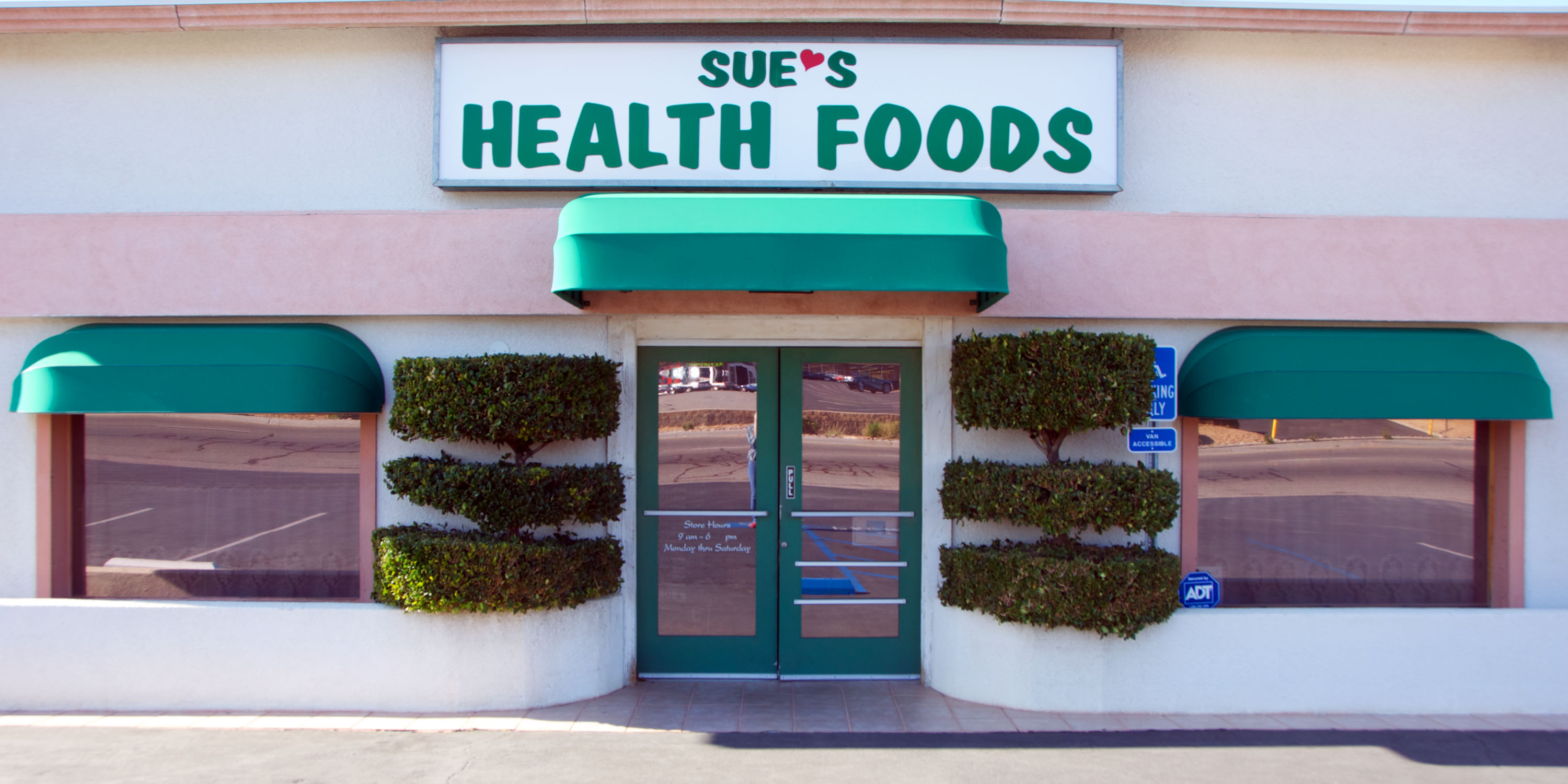 Sue's Health Foods Store Front